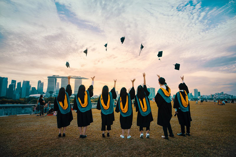 How to Ace Engaging and Recruiting New Graduates